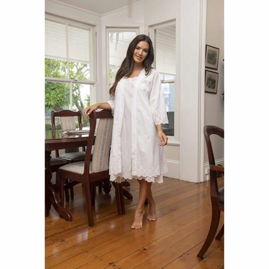 Victoria's Dream White Swan Kimono Robe