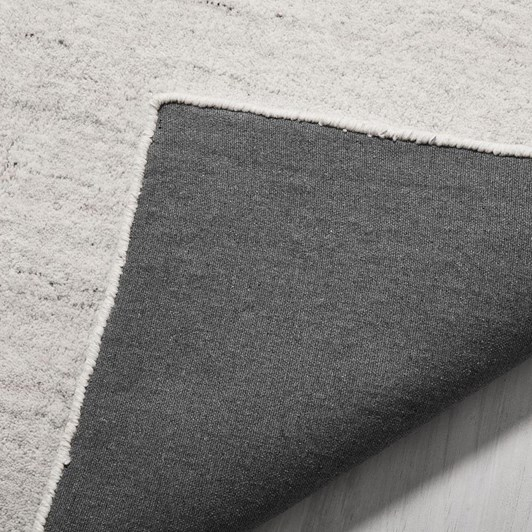 West Elm Shale Rug 5X8 Light Grey