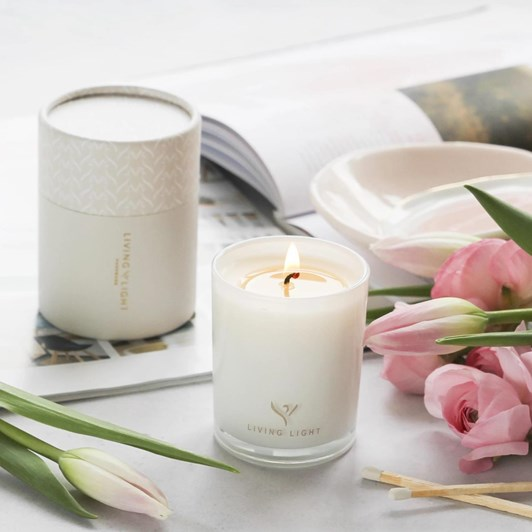 Living Light Dream White Lily Mini Soy Candle 30 Hours