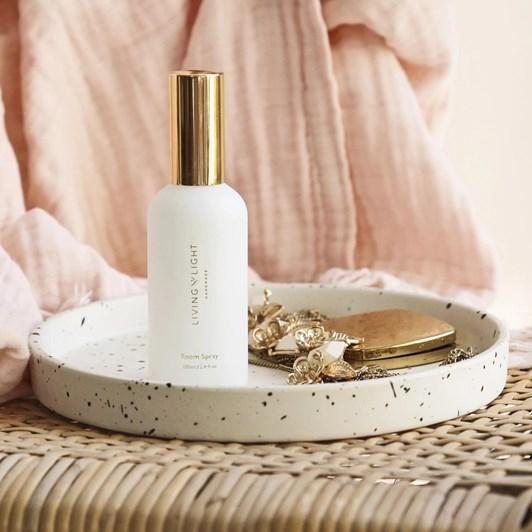 Living Light Dream White Lily Room Spray 100ml