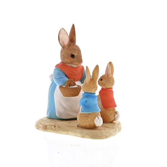 Mrs Rabbit, Flopsy & Peter Rabbit