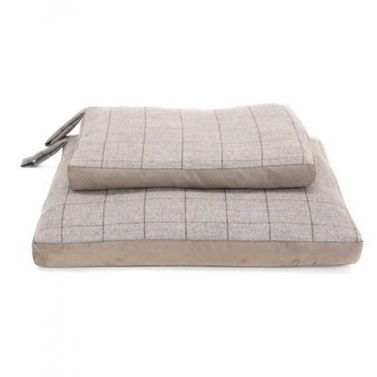 Tweedmill Tweed Dog Bed with Suede Base Large Silver Grey