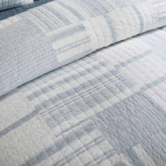 Pottery Barn Hawthorn Patchwork Quilt Queen Chambray