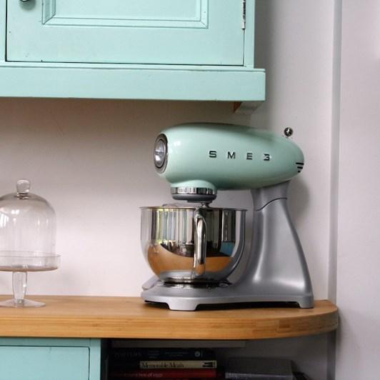 Smeg Stand Mixer - Pastel Green