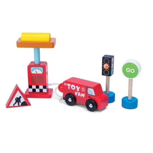 Le Toy Van Car & Petrol Pump Set- New