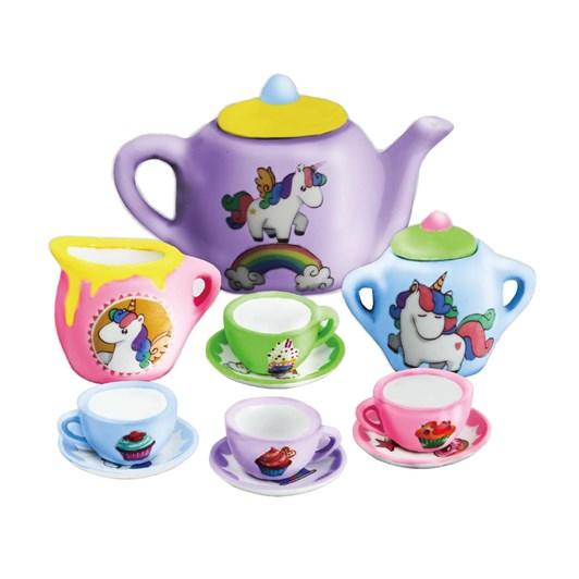 Jeanny Decorate A Tea Set