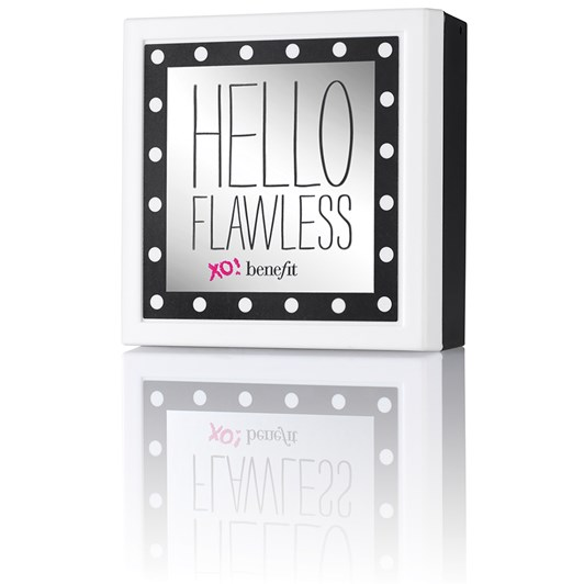 """Benefit Hello Flawless """"All The World'S My Stage"""" Beige"""