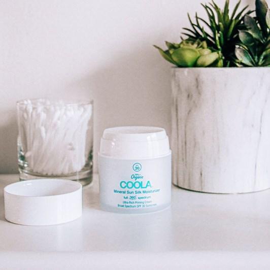 Coola Mineral Sun Silk Moisturizer Organic Face Sunscreen SPF30