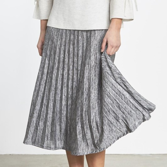 Random Metallic Pleat Skirt