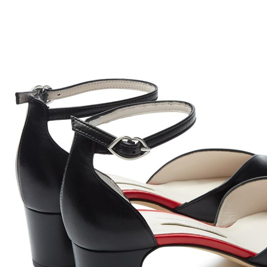 Lulu Guinness Block Heel Point Toe Shoe