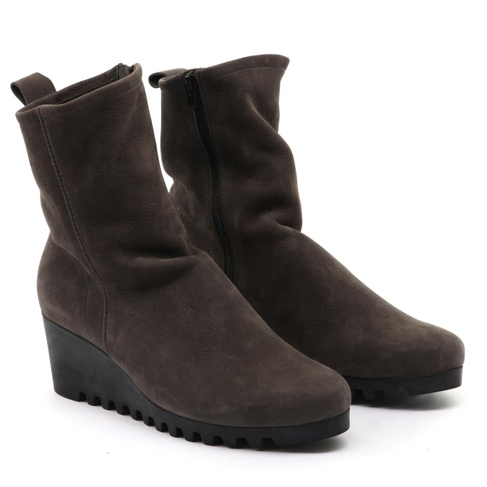 Arche Larazo Ankle Boot with Heel - castor