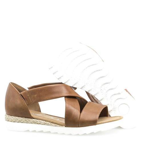 Gabor Crossover Sandal