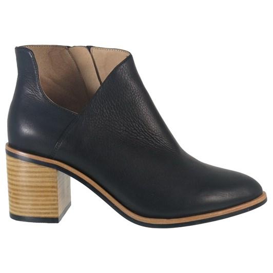 Bresley Sissy Boot
