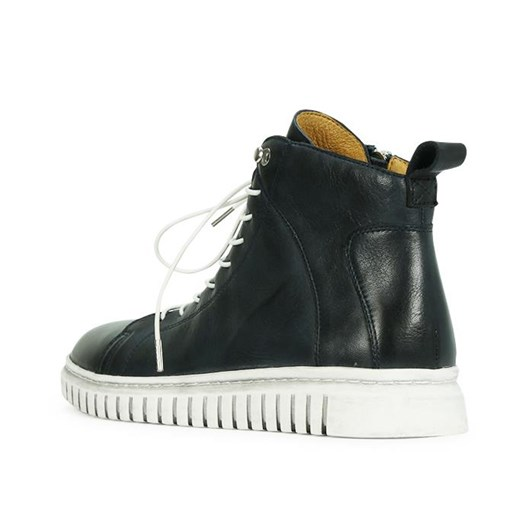 EOS Clarrie Boot