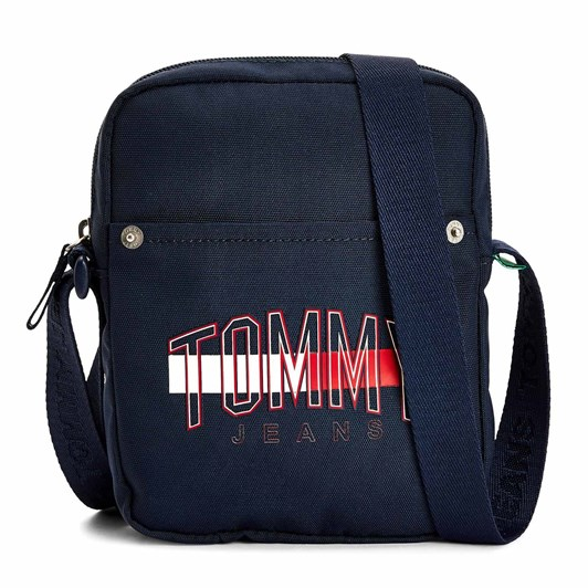 Tommy Jeans  Campus Graphic Reporter