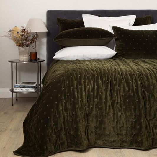 Wallace Cotton Palace Velvet Quilt