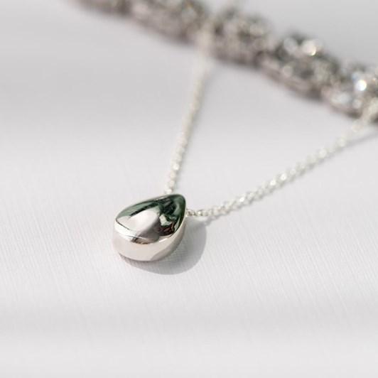 Love In A Jewel The Love Drop Pendant (Silver) Plain