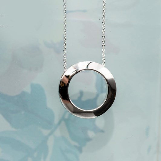 Love In A Jewel The Circle Of Love Pendant (Silver) Plain